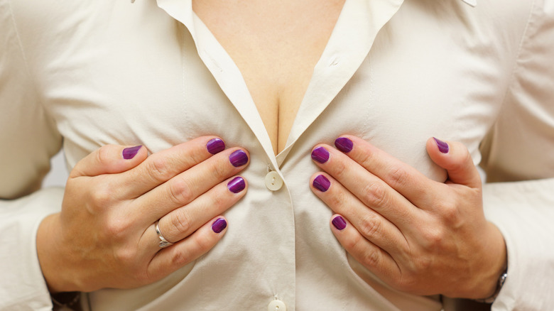 woman cleavage