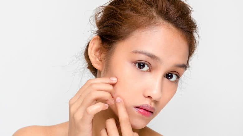 Things you need to stop doing to your skin right now