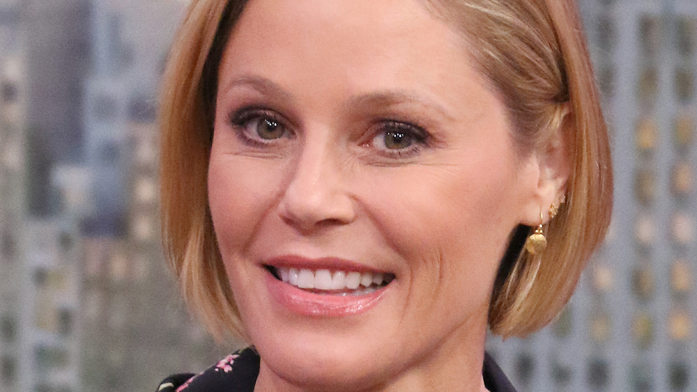 Julie Bowen Shuts Down Rumors She Had A Feud With This Co-Star