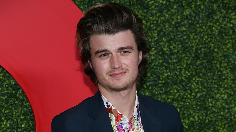 Joe Keery at the GQ Men of the Year Party