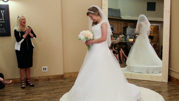 Jinger Duggar Wedding Dress.The Duggars Most Surprising Outfits