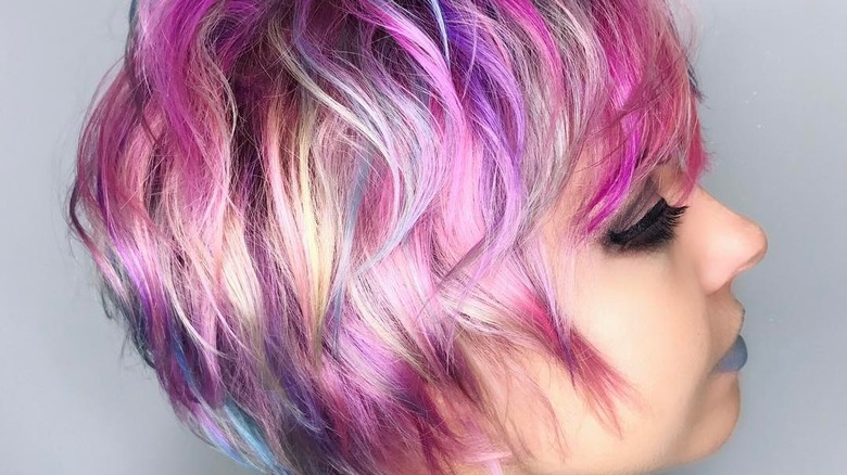 What No One Tells You About Getting Vivid Hair