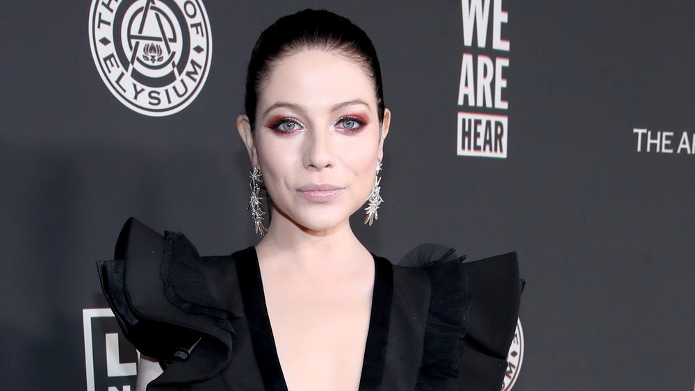 Michelle Trachtenberg on a red carpet in 2020